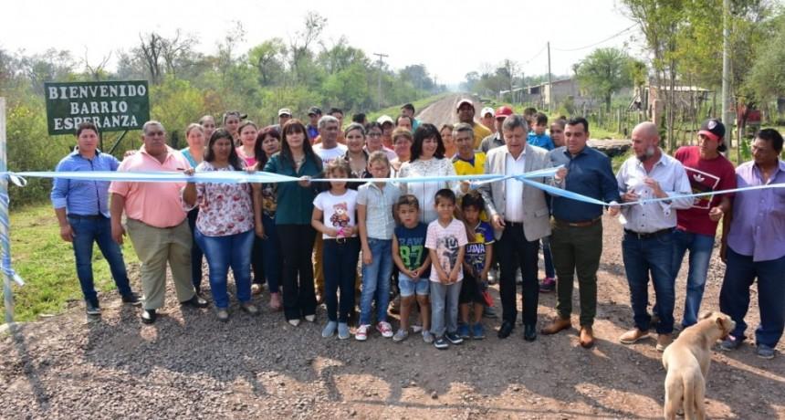 Peppo habilitó 700 metros de ripio en Pampa Almirón