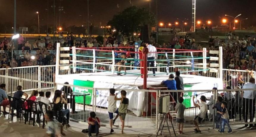 Con homenajes vuelve el Boxeo a la Plaza Paseo Sur