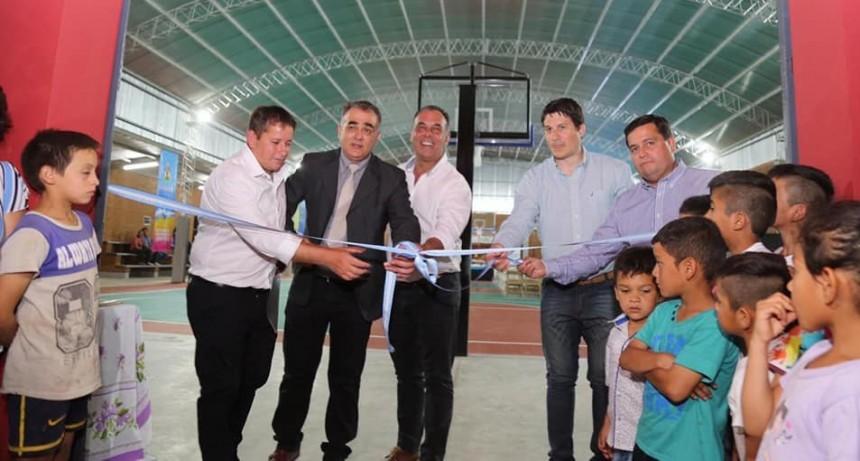 El Vice Gobernador inauguró el Micro Estadio del C.E.F. número 13 de Machagai