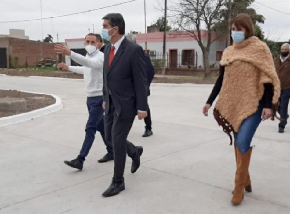 Presidencia de la Plaza: Capitanich inauguró la refuncionalización del hospital y más cuadras de pavimento