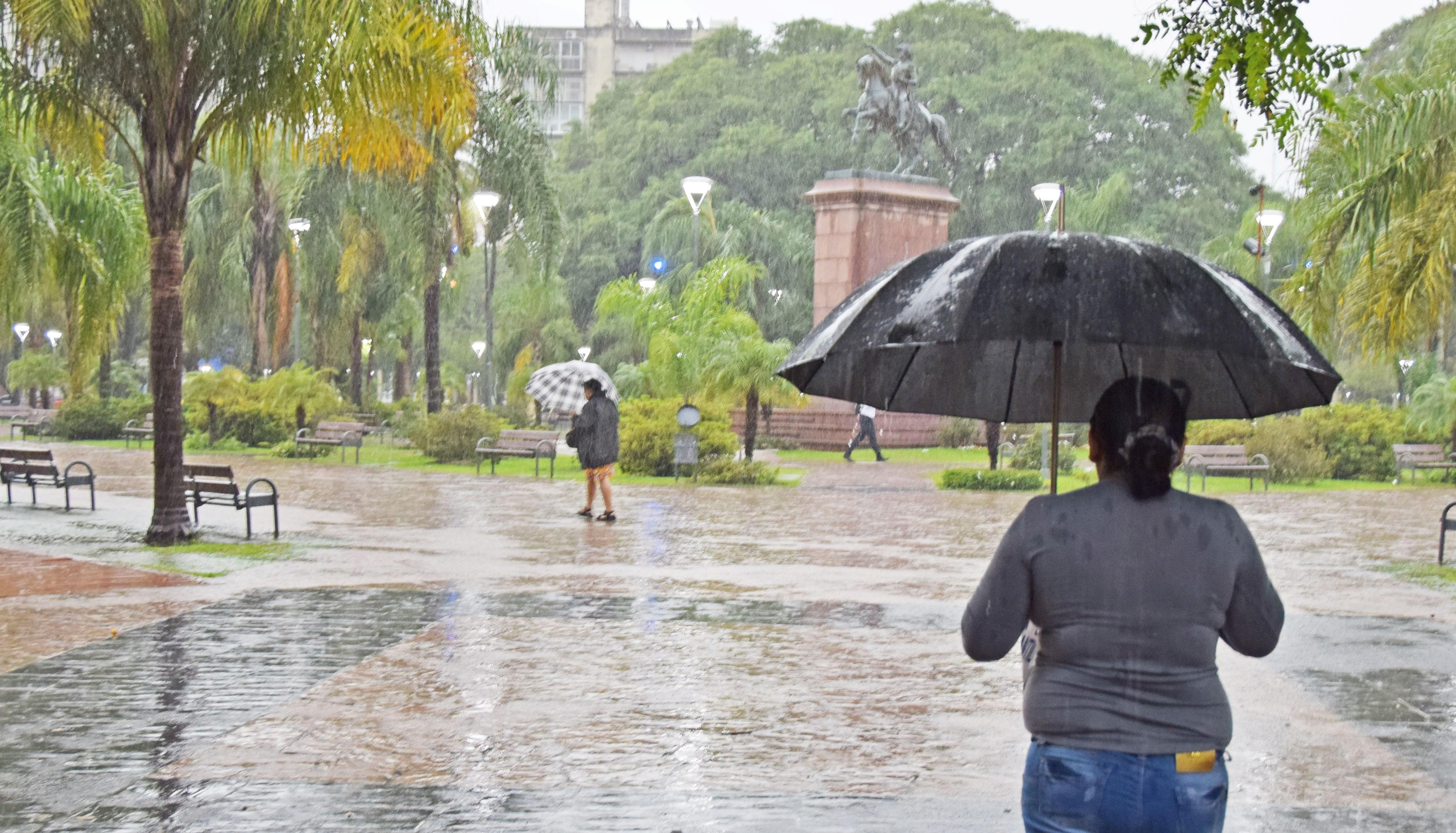 Las lluvias pasaron de largo el fin de semana y este lunes inicia con alerta meteorológico