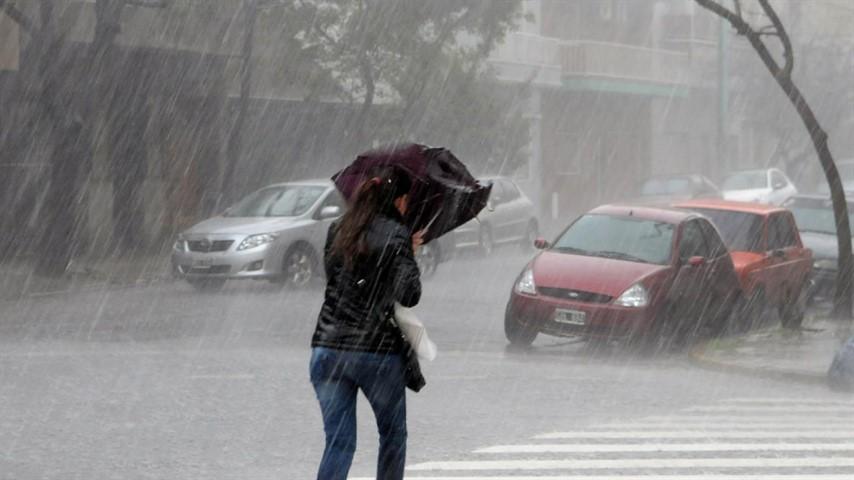 El miércoles inició con una leve lluvia y hay pronóstico de tormentas para todo el día, nuevamente