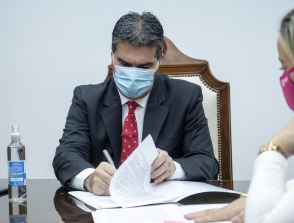 Capitanich firmó un decreto para restringir reuniones y fiestas sociales del 19 al 21 de septiembre