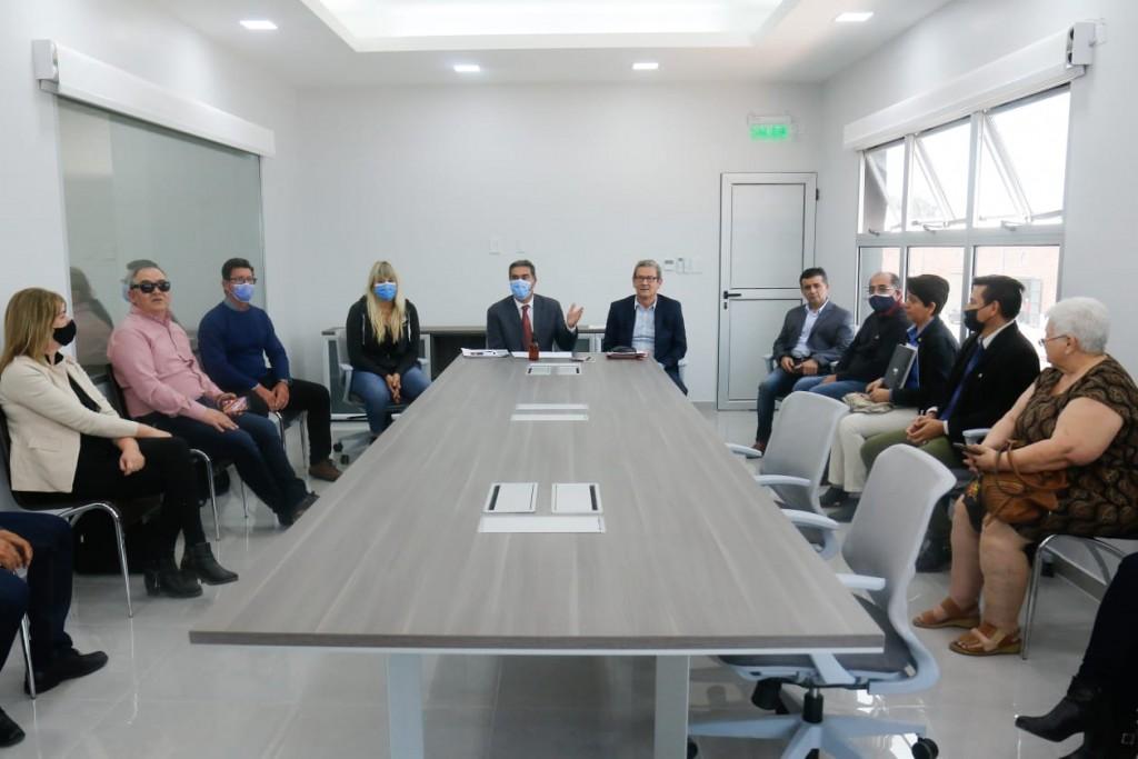 Reunión de trabajo de Capitanich y Lineras con autoridades de instituciones terciarias