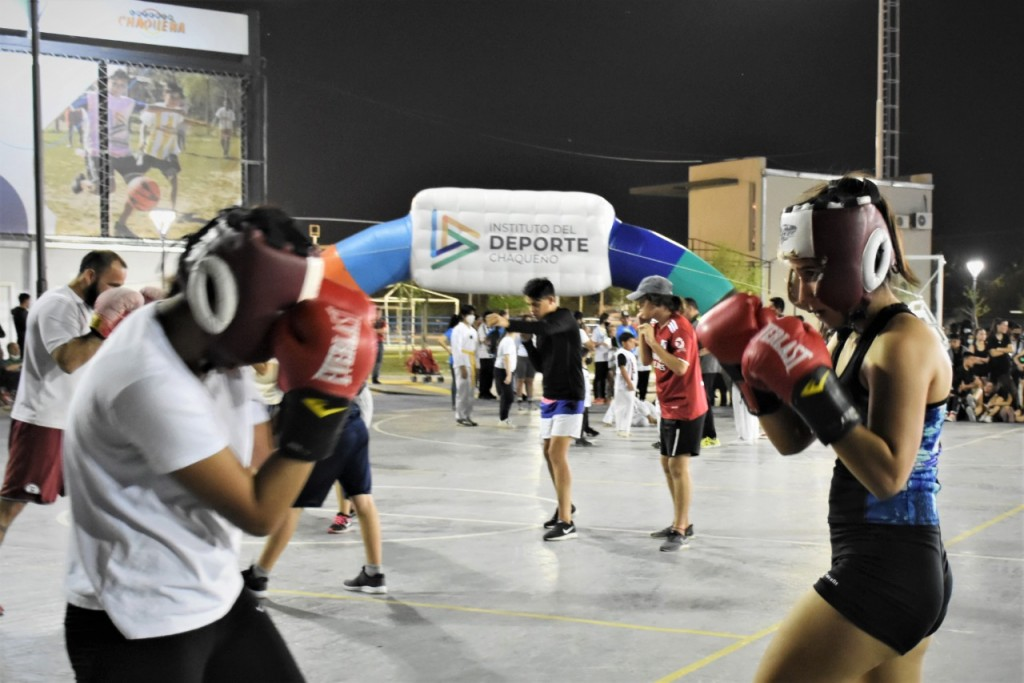 Festival y exhibición de actividades para celebrar el día del deporte chaqueño