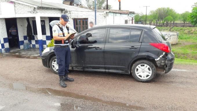 Viajaba con un auto robado y Caminera lo detectó en el control