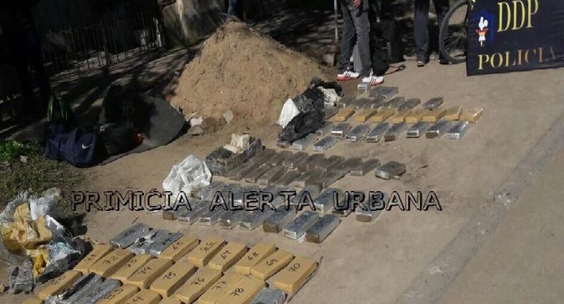 INCAUTAN MAS DE 70 KILOS DE MARIHUANA HACE INSTANTES