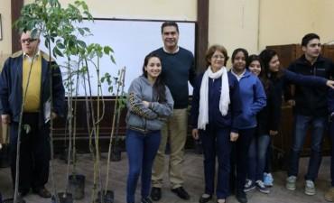 El intendente encabezó una nueva charla de concienciación vial y ambiental en el Colegio Normal
