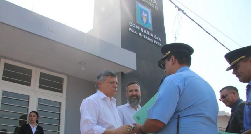 Peppo inauguró una nueva comisaría en Sáenz Peña y entregó cuatro patrulleros