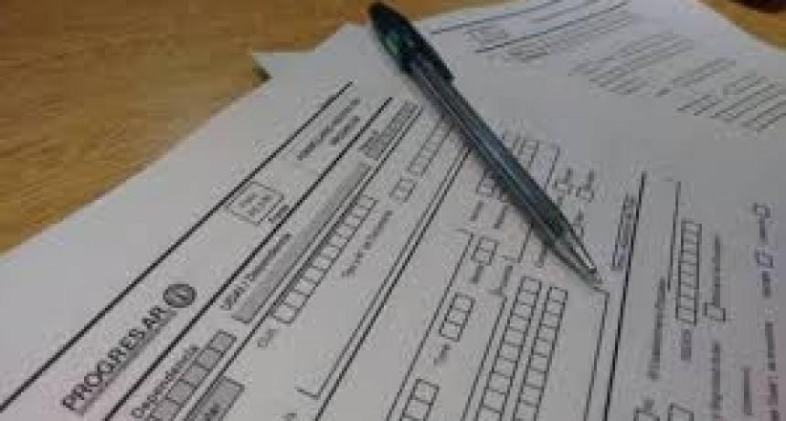 Demoras a nivel nacional en la evaluación de Becas Progresar