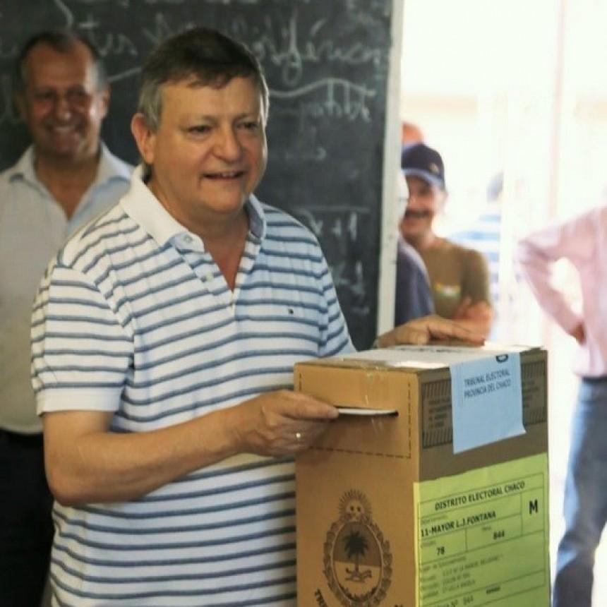Domingo Peppo votó en Villa Ángela