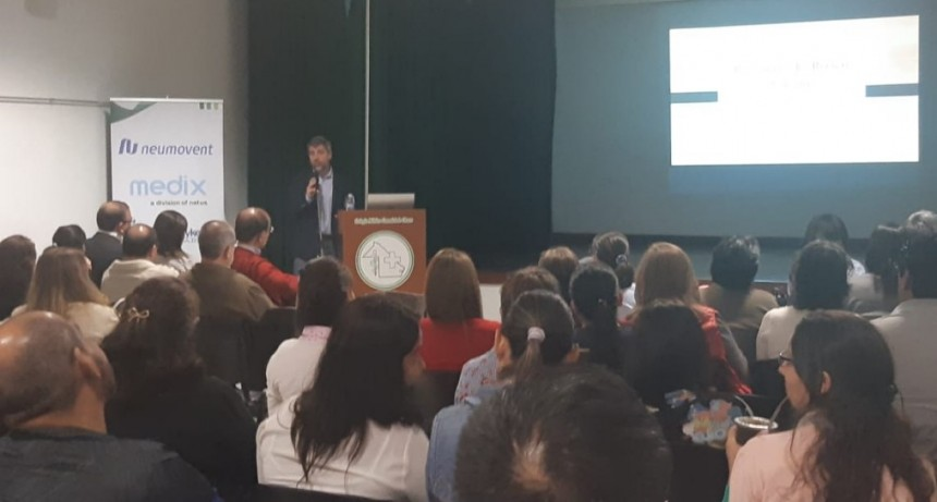 Zapico presidió la apertura del curso de actualización en Neonatología