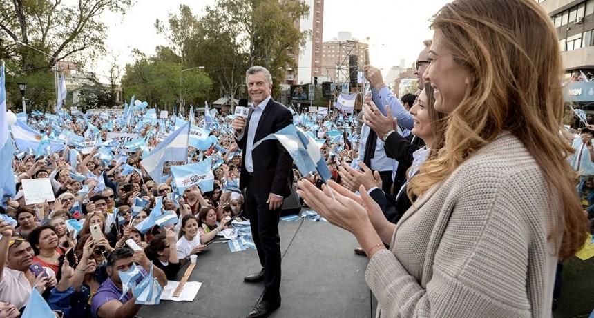 Macri llega a Rosario con la marcha del