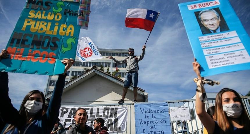 Pese a las medidas sociales anunciadas por Piñera, Chile amaneció de paro