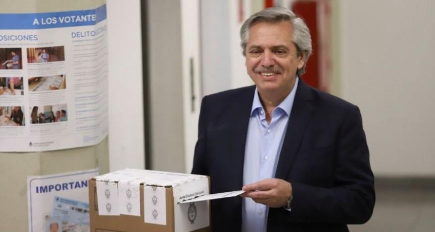 Fernández le respondió a Peña tras emitir su voto