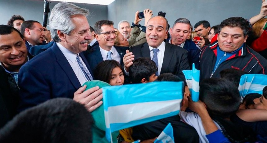 Alberto Fernández viajó a Tucumán para participar de la asunción de Manzur
