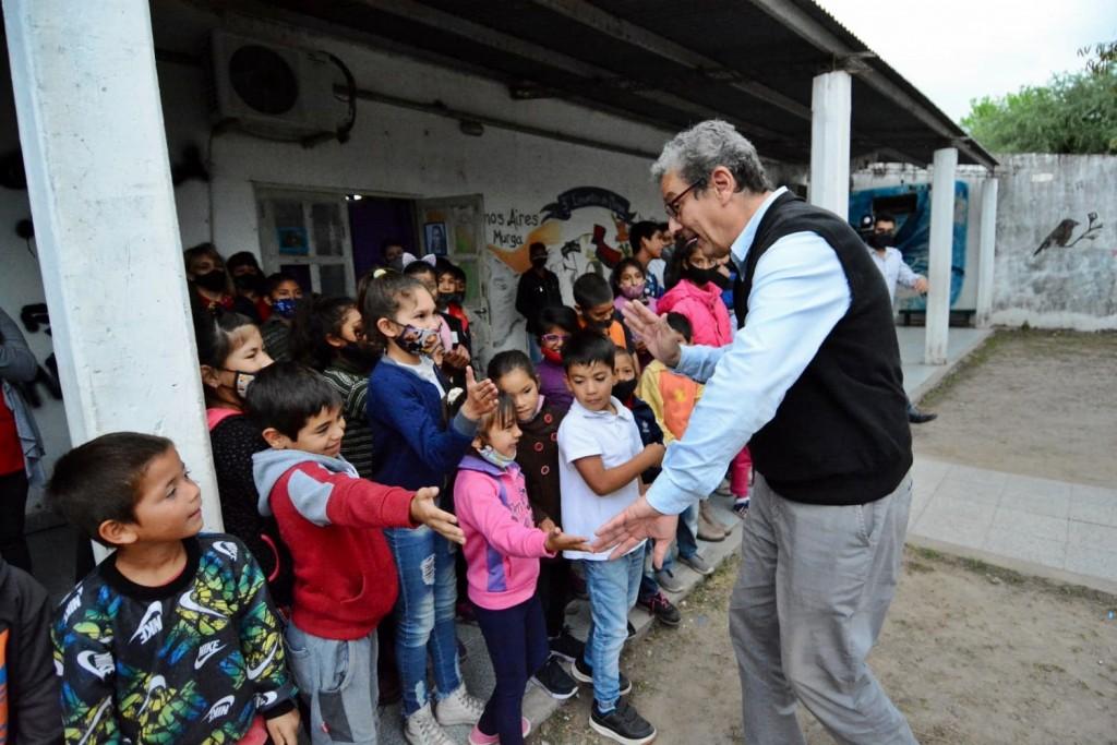 Educación entregó equipamientos para la formación profesional en la escuela pública de Gestión Social N° 1