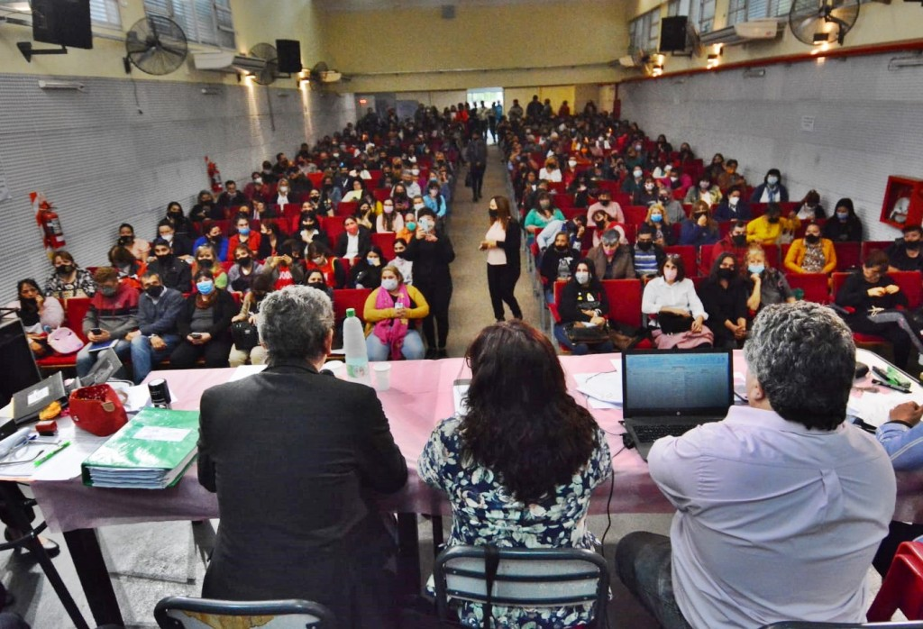 Educación: 1.270 aspirantes a cargos de concurso de traslado para docentes de primaria suspendido en 2019