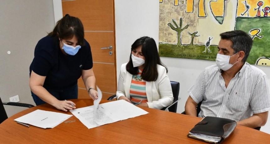Salud pública firmó convenio con el cardiológico de Corrientes para atender a chaqueños sin cobertura social