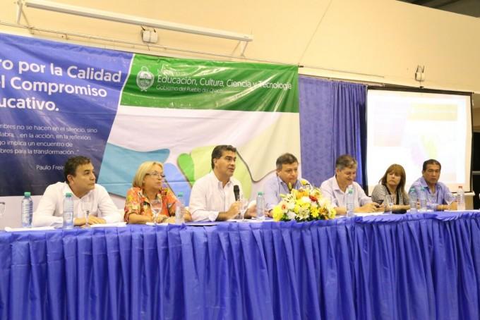 """Capitanich: """"La educación debe fortalecer la identidad, promover la cohesión social y garantizar estabilidad política"""""""
