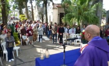 El municipio acompañó misa por el Día de los Fieles Difuntos