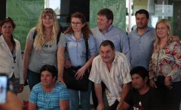 COMITIVA OFICIAL VERIFICÓ LA ATENCIÓN EN EL HOSPITAL DE CASTELLI Y ACORDÓ ACCIONES NORMALIZADORAS CON MOVIMIENTOS SOCIALES