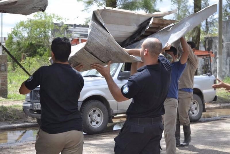 Penitenciarios asistieron a los damnificados por el temporal en Plaza y Pampa Almirón