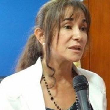 La Lic. Mariel Gersel aclara sobre los reclamos de afiliados del INSSSEP en pago de Seguros de Vida y falta de stock de insumos médicos.