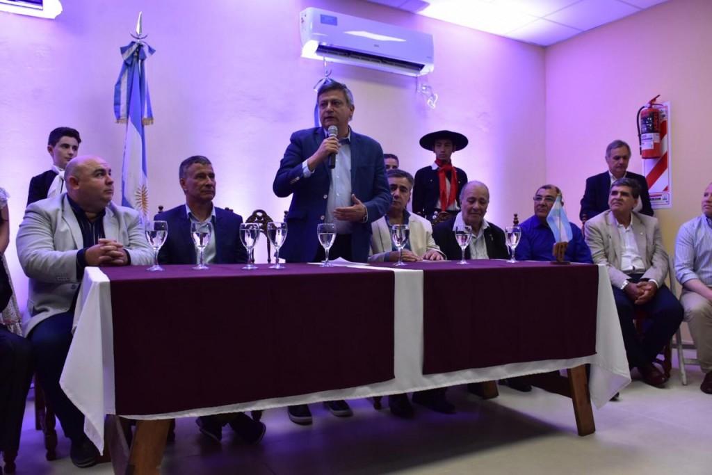 PEPPO INAUGURÓ LA BIBLIOTECA DE LA PEÑA NATIVA MARTÍN FIERRO