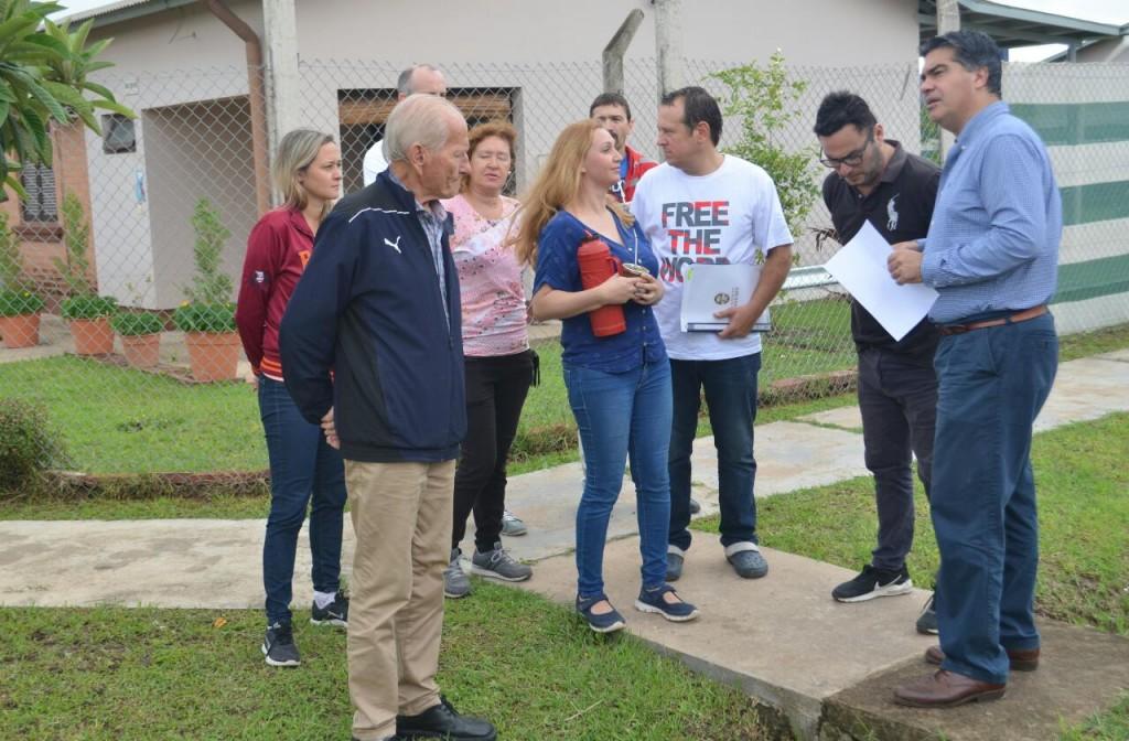 Capitanich constató trabajos municipales en el Barrio Judicial y dialogó con vecinos para ejecutar nuevas obras