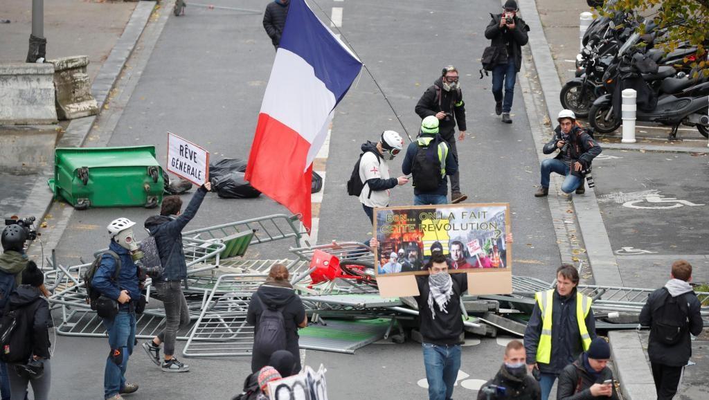 Disturbios y represión en el primer aniversario de los