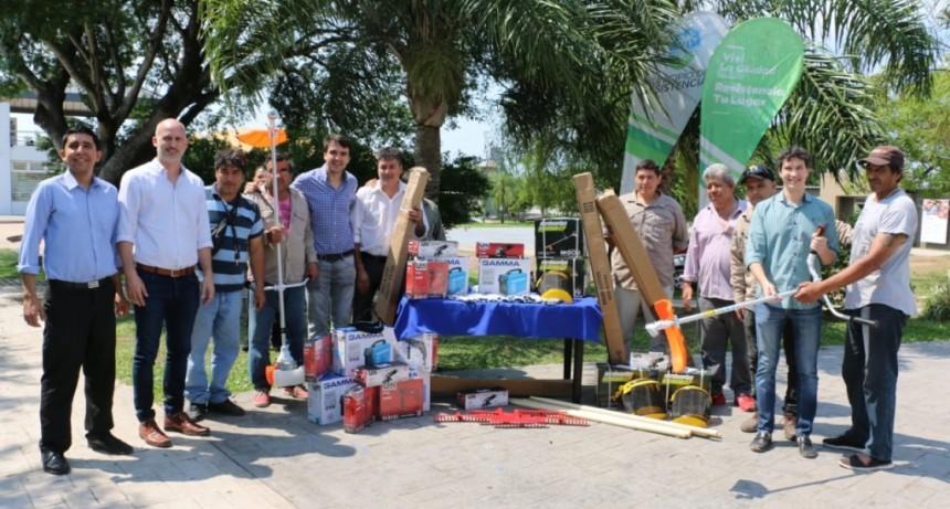 El municipio entregó herramientas de trabajo para familias en situación de calle