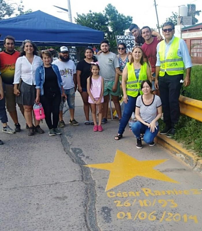 Tránsito: se pintó una estrella amarilla para  recordar a César Gabriel Ramírez