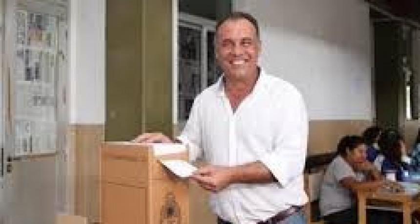 En la ciudad Termal votó el Vice Gobernador de la Provincia Daniel Capitanich