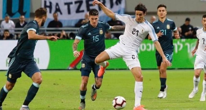 Argentina empató con Uruguay en el clásico del Río de La Plata