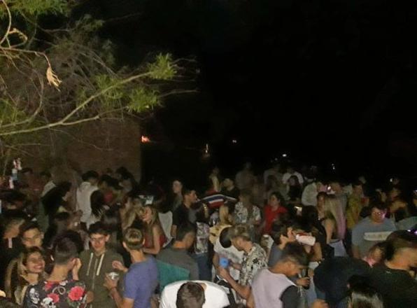 Más de 500 personas participaron de una fiesta clandestina este fin de semana en Castelli