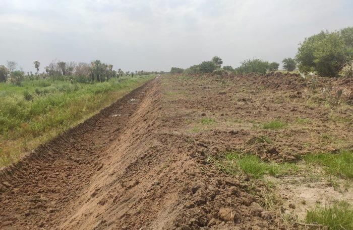 Chaco: Vialidad Provincial realiza la limpieza del Canal Bajos Submeridionales para asegurar el escurrimiento del agua