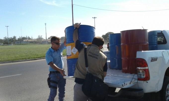 EL MINISTERIO DE AMBIENTE Y LA POLICÍA DEL CHACO DECOMISARON RESIDUOS PELIGROSOS