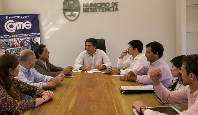 El municipio y cámaras empresarias firmaron convenio para el desarrollo de centros comerciales a cielo abierto