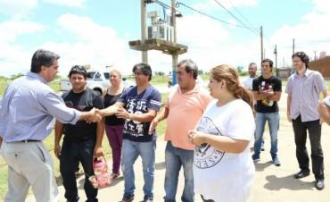 Capitanich recorrió cinco barrios de la ciudad y brindó respuestas a los vecinos