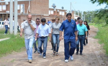 Capitanich trazó agenda conjunta con vecinos del barrio 48 Viviendas