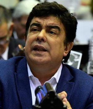 Espinoza plantea un bono de $15.000 para jubilados