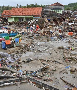 Indonesia: Ascienden a 429 las muertes y 154 los desaparecidos por el tsunami