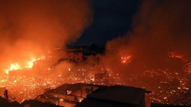 Terrible incendio devoró 600 casas en Manaos