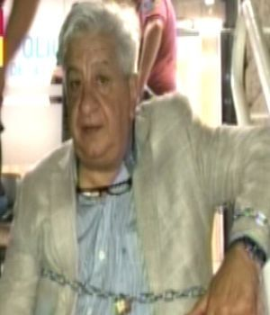 Piumato se encadenó en una comisaria para exigir la libertad de una funcionaria