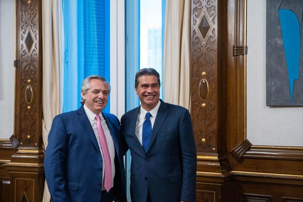 Jorge Capitanich concluyó su agenda en Buenos Aires reuniéndose con Alberto Fernández