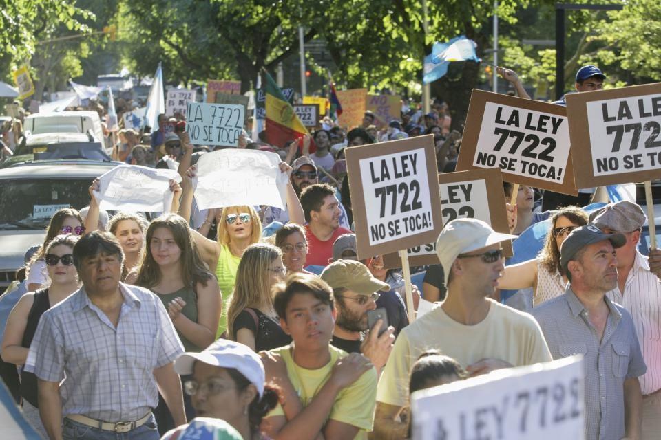 El gobernador de Mendoza Rodolfo Suárez anunció que no reglamentará los cambios a la ley 7222