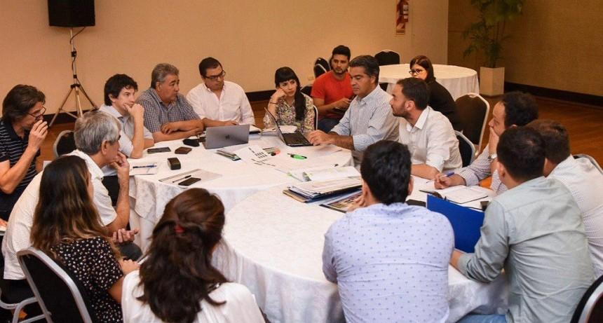 Jorge Capitanich prepara una batería de medidas salariales y programas sociales para fin de año
