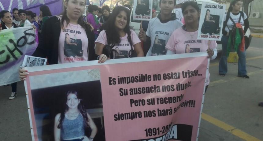 La madre la Lorena Saucedo se mostró conforme con la condena para el asesino de su hija