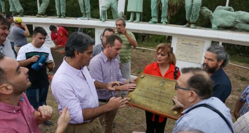 Capitanich anunció la reparación del monumento a los caídos en la Masacre de Margarita Belén